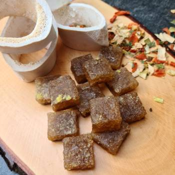 Brown beef stock (cubes)